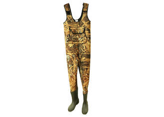 China Camo Neoprene Fishing Waders , Anti Slip Breathable Bootfoot Chest Waders supplier